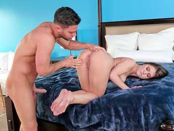 Jojo Kiss cheats on her brunette husband with his hardcore brother Seth